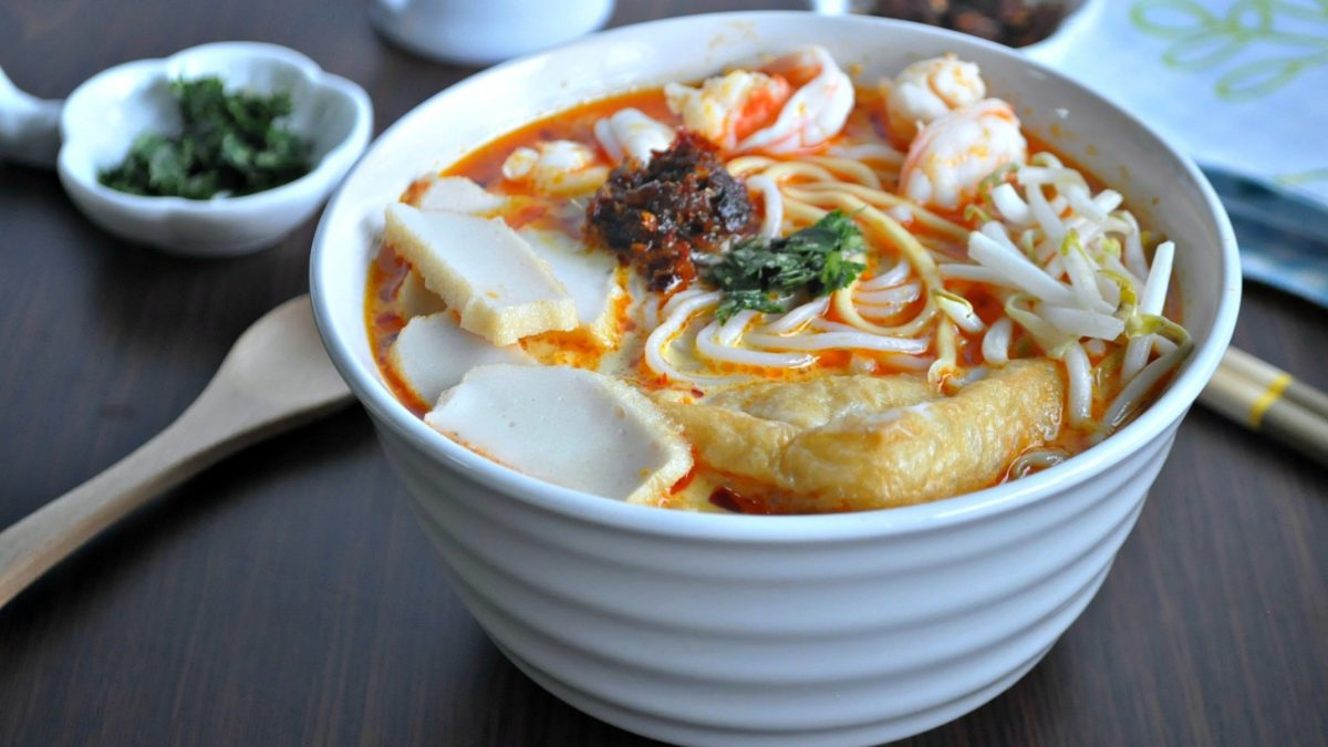 5 Best Laksa to Try in Singapore [2021]