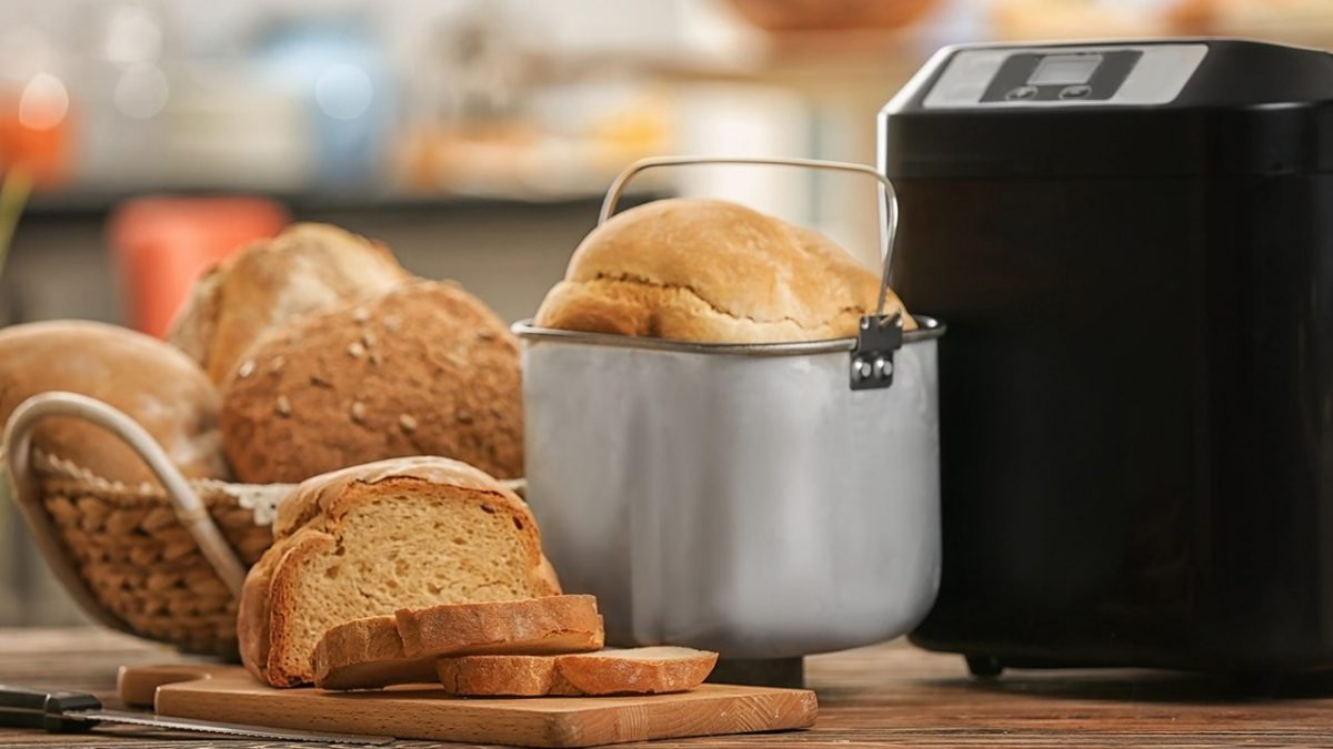 8 Best Bread Makers in Singapore [2021]