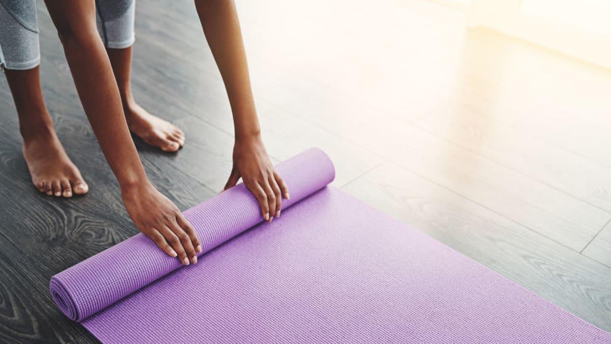 7 Best Yoga Mats in Singapore [2021]