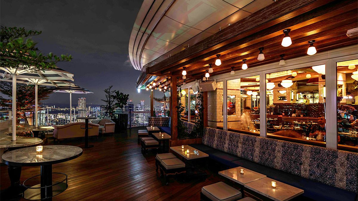 20 Best Rooftop Bars in Singapore With Views [2021]