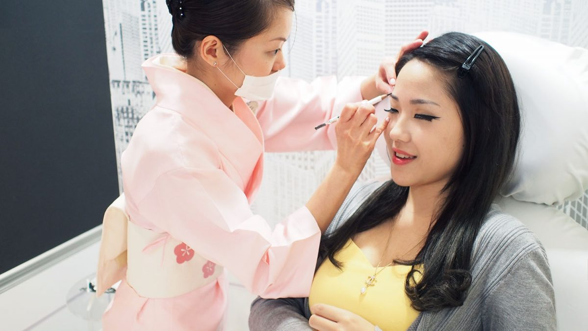 20 Best Eyebrow Embroidery Studios in Singapore [2021]