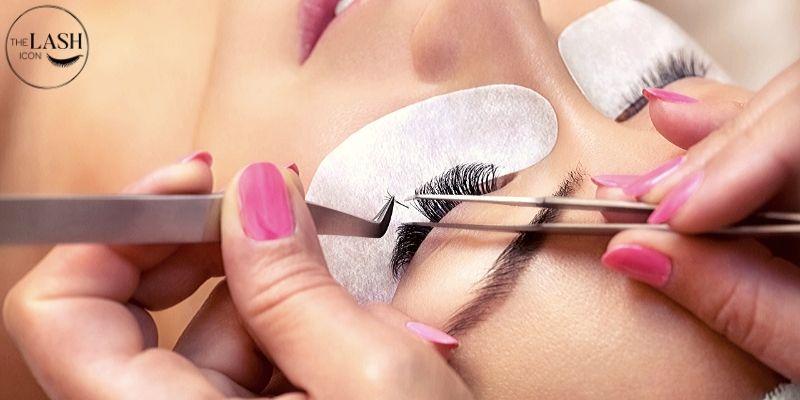 Eyelash extensions gift cards | Image taken from Giftano