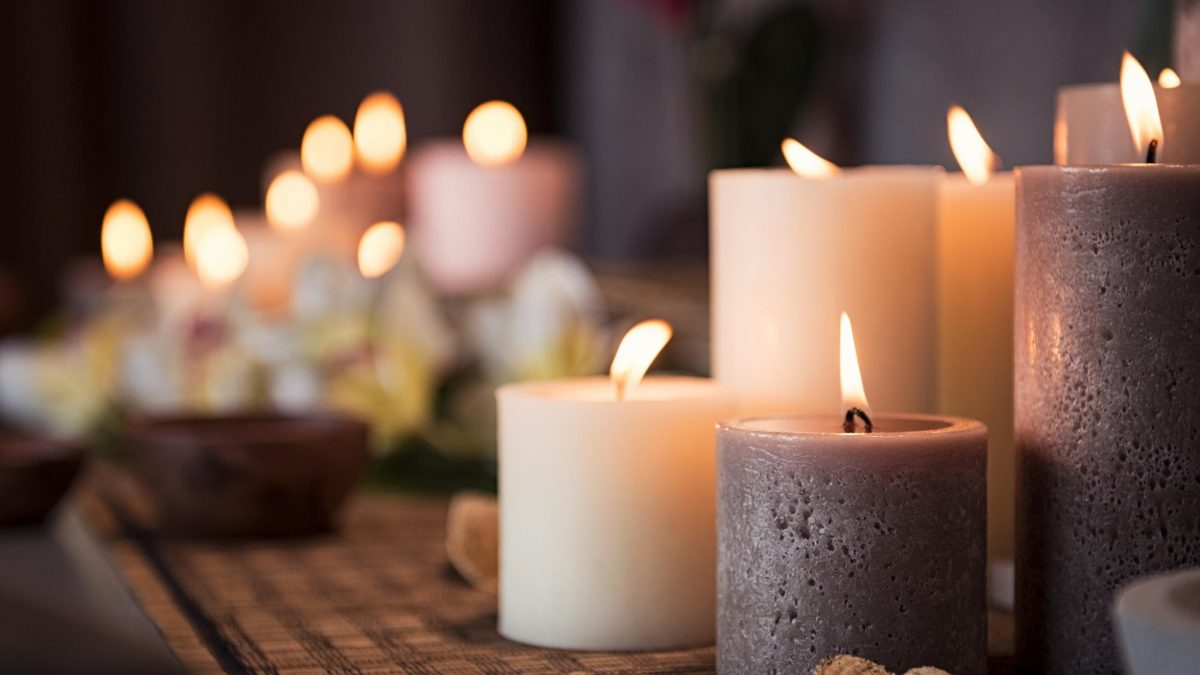 10 Best Scented Candles in Singapore [2021]