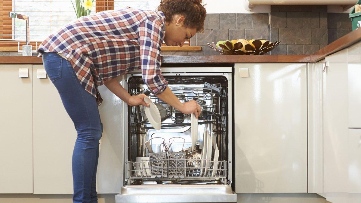 10 Best Dishwashers in Singapore [2021]