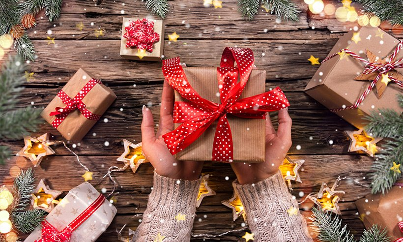 10 Best Christmas Gifts Ideas in Singapore [2021]