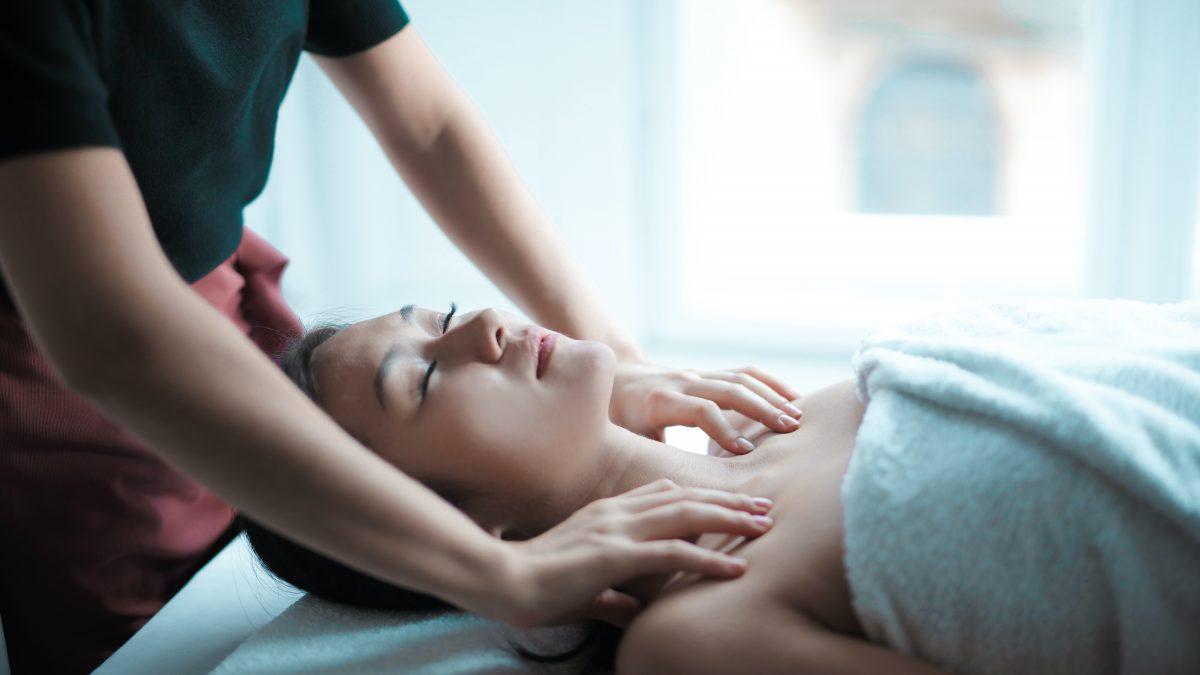 11 Best Prenatal Massage Services in Singapore for Pregnant Women