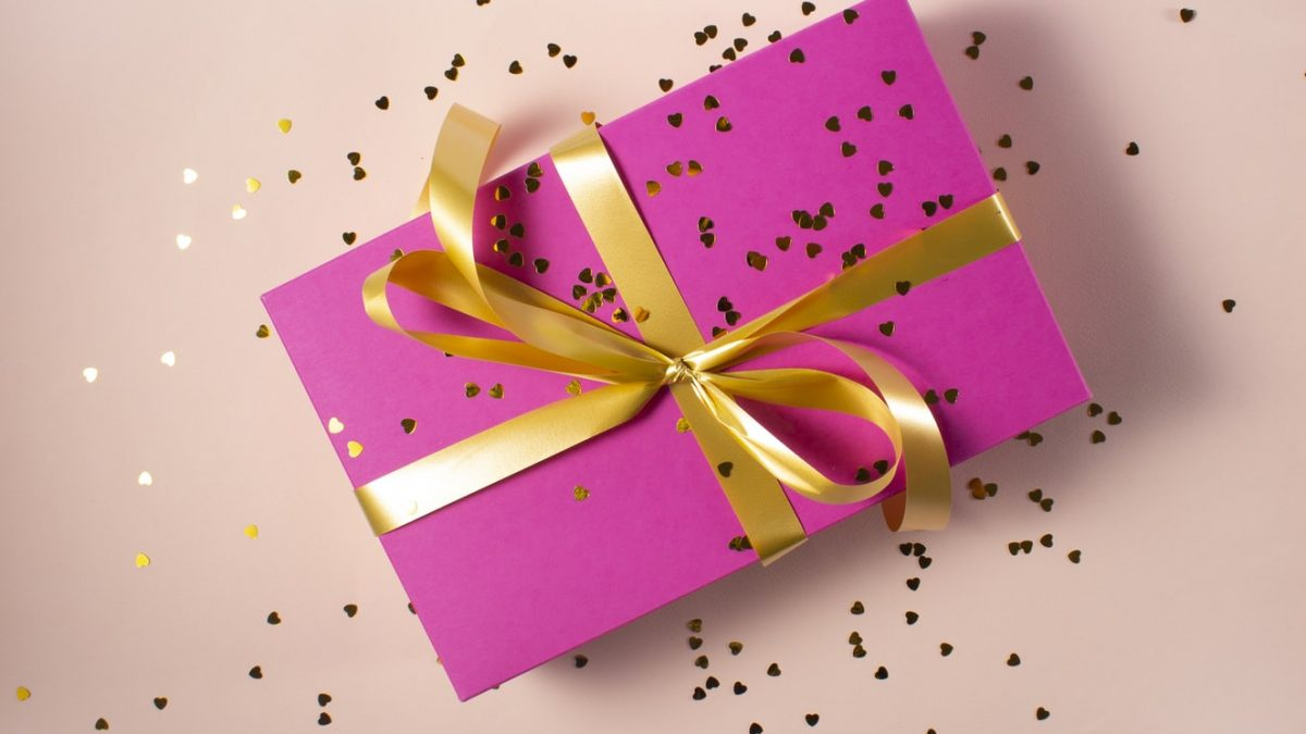 11 Best Gift Delivery Services in Singapore [2021]