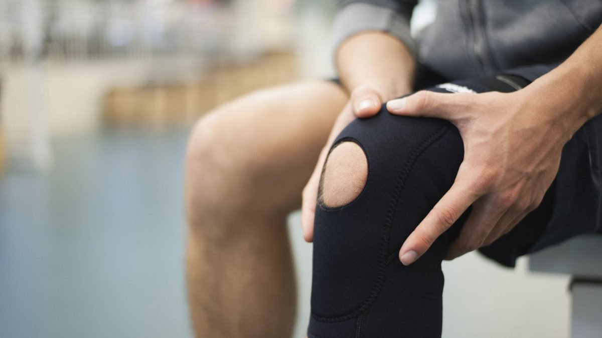 10 Best Knee Guards in Singapore for Ultimate Support [2021]