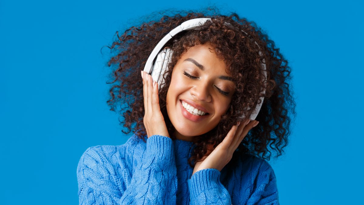 10 Best Noise-Cancelling Headphones in Singapore