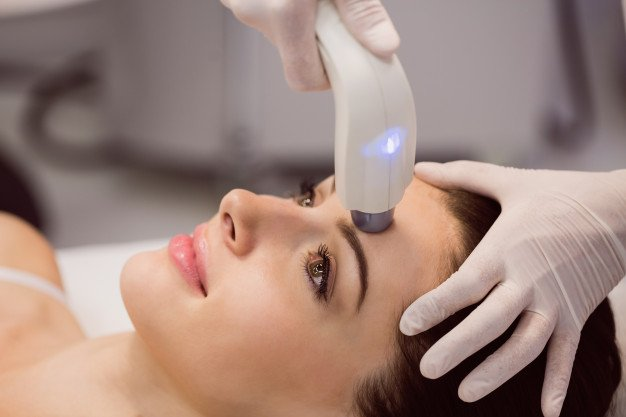 15 Best Dermatologists in Singapore [2021]