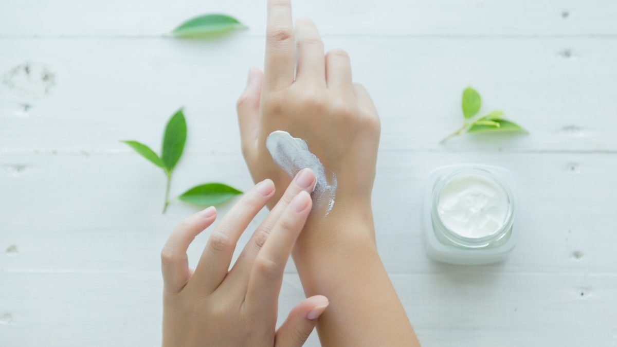 10 Best Firming Creams To Give You That Plump Skin 2021