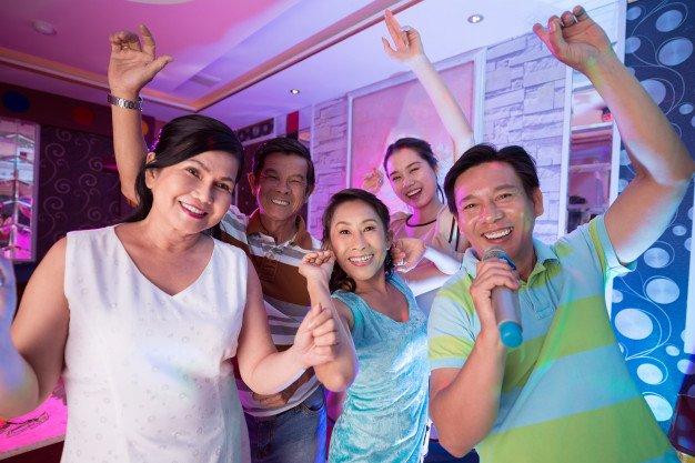 15 Best Karaoke Spots (KTVs) in Singapore [2021]