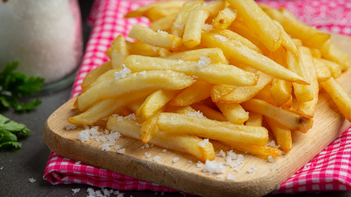 10 Best Places With The Crunchy Truffle Fries in Singapore