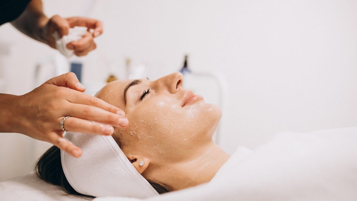 10 Best Skin Specialists To Check Out In Singapore [2021]
